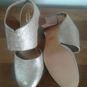 Gold Seychelles stacked heels